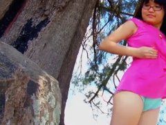 Hairy Nerdy Teen Gita naked in nature and show Ass!