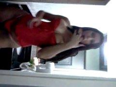 Tgirl Priscilla Leoni Dancing and Jerking