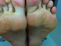 Webcam Slut Showing Me Her Big Feet