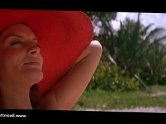 Rene Russo nude - The Thomas Crown Affair (1999)