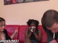 Petite black francaise se fait defoncer le cul