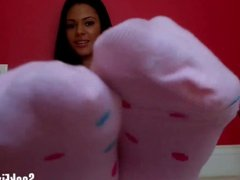 Rub one out to my edible size 8 socks