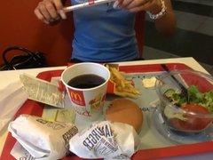 LGH - High Heels Schlampe im McDonalds - Tamia