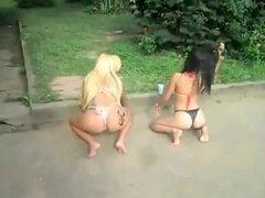 2 sexy girls twerking in bikini tanga