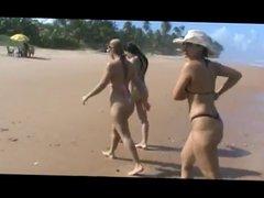 As Tequileiras do Funk na Praia em Salvador na Bahia
