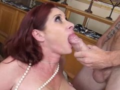 Tiffany Mynx gets huge facial from monster dick