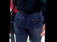 Candid teen with round ass in tight jeans