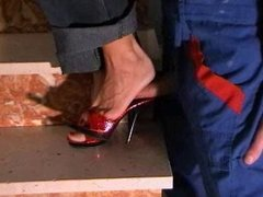 Shoejob in red mule