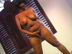 BBBW Juicy Gets White Pole In Her Hole