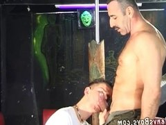 Skillful card player bangs twinky loser in the ass