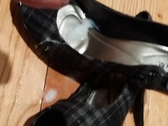 cum shot on my girls high heels
