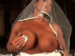 Aziani Iron FFB in Wedding dress riding sybian sex machine