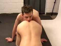 Teens Have Anal Sex In The Photo Room