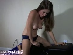 WEBCAM: Question Answer Sybian Riding