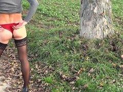 Transe zeigt string und Nylons