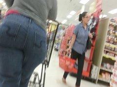Milf ThighRubber w Handlbar Hips - candid
