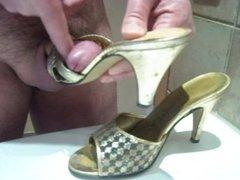 Cummed Shoes Golden Mules