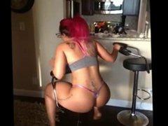 big booty black girl shaking that ass