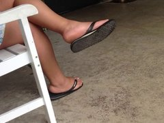 Thick Legs In Flip Flops