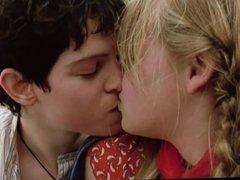 lesbian kisses 4