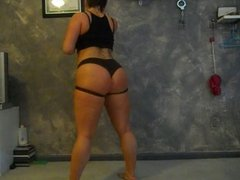 Mmm booty 2