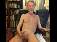 Skinny bearded gray dad play on cam shoots cum
