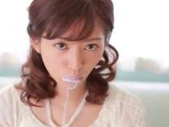 japonaise qui suce une glace !!!