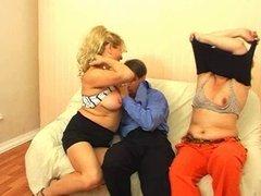 Mature Moms love a lot of sperm! Russian amateur!