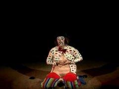 bo-no-bo the clown's a-cummin'