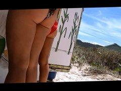 Gostosa na praia 1