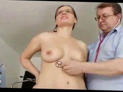 Madura con ginecologo