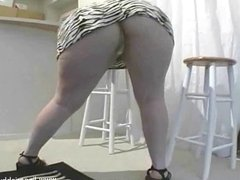 Long hair blonde BBW striptease