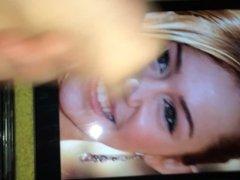 Miley Cyrus Cumshot