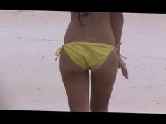 jiggly booty at beach voyeur,, slow motion