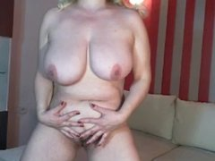 big boob blond webcam