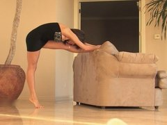 Flexible Samantha Sexy Stretching & Nude Exercises