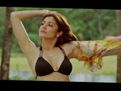 Anushka Sharma super hot boob cleavage bikini