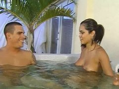 Daisy Marie makes Guy cum in 70 seconds
