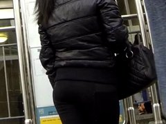 Candid - Sexy Ass In Tight Leggings