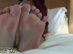 Jerk off to Enchantress Sahrye's perfect feet