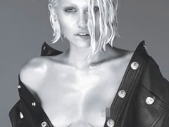 Miley Cyrus - Naked Nipple W Magazine