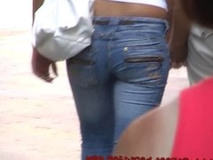 Great teen jeans ass and high heels filmed by candid cam