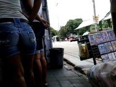 Shortinho na rua