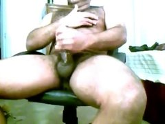 HOT PUERTO RICAN BEAR WANKIN TO PORN