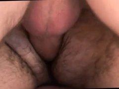 Daddy cerdo se lo monta con dos chicos