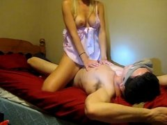 Girl blindfolds her bf and rides him