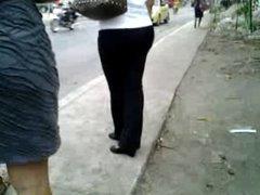 Touch-Mature woman pantalon negro