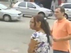 Levantando faldas (fun video)