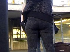 Candid - Teen Ass In Black Tight Jeans