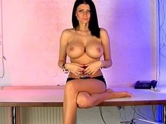Lilly Roma Phone Babe
